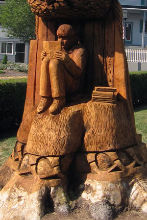 Tree carving by Kris Connors of Clinton, CT, at the Ivoryton Playhouse, Essex, CT.
